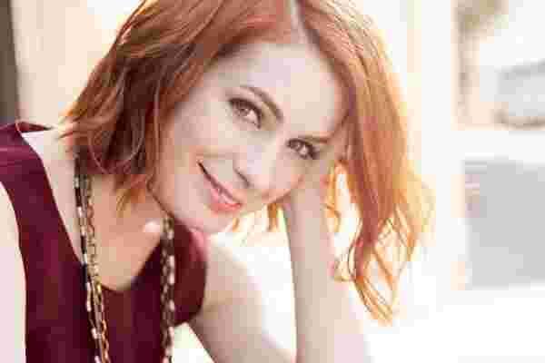 极客偶像,演员和企业家费利西亚·戴 (Felicia Day),为什么热情总是会赢得这一天